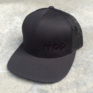 mbp_hat_black_black